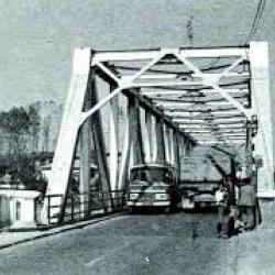تصاویری از پل فلزی چالوس